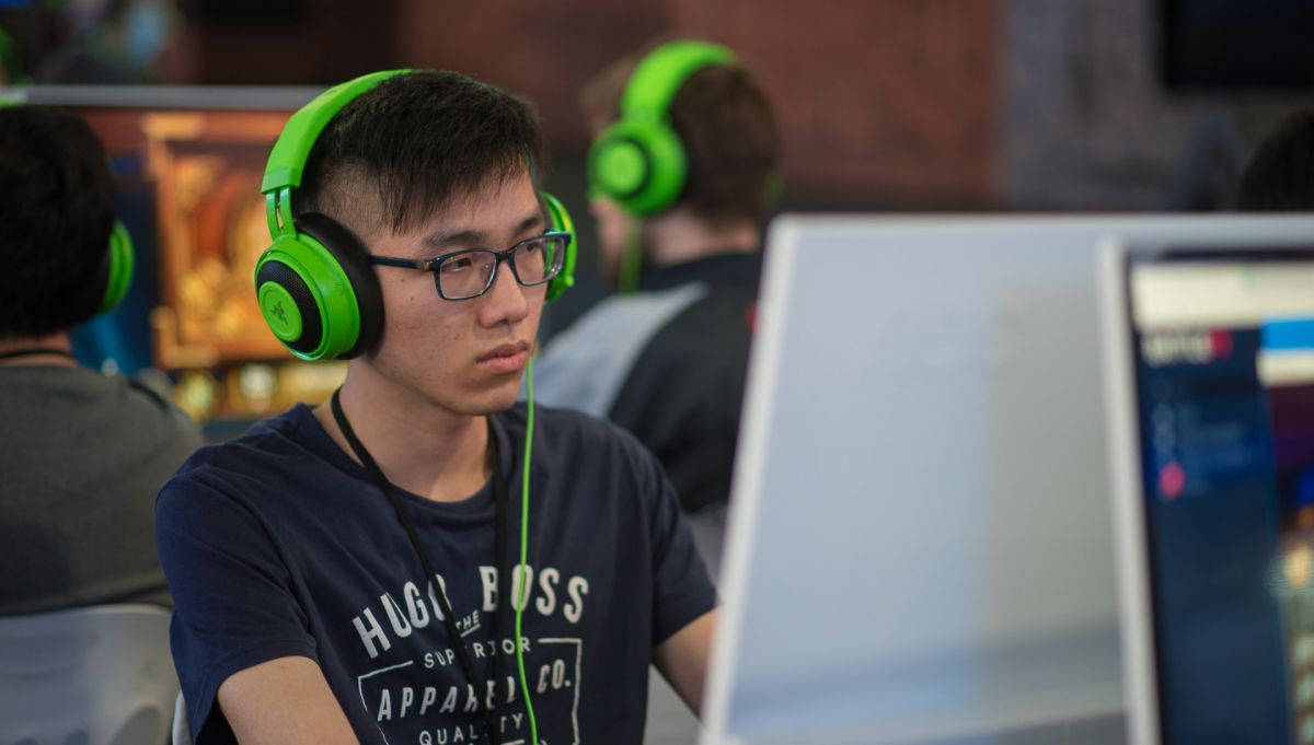 Suspended Hearthstone pro Blitzchung signs up with Tempo Storm